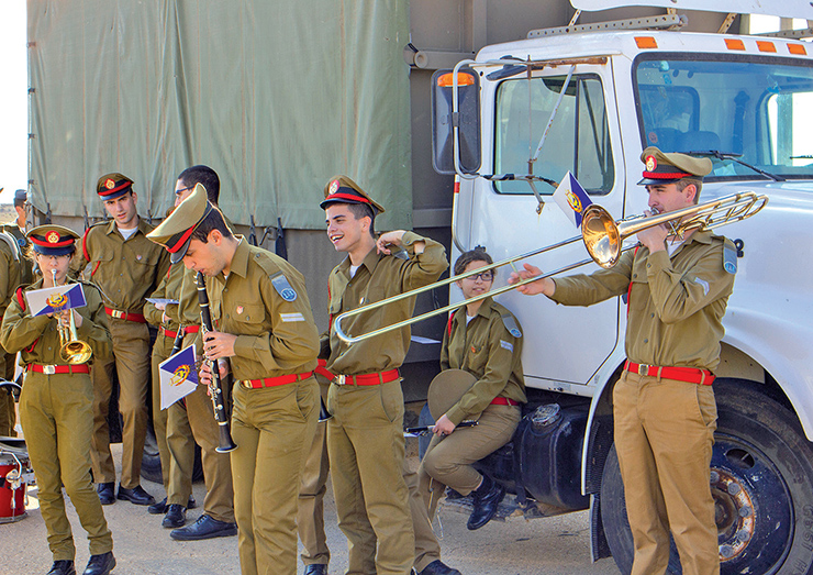 Photo Essay: Israeli Air Force Graduation Ceremony And Air Show